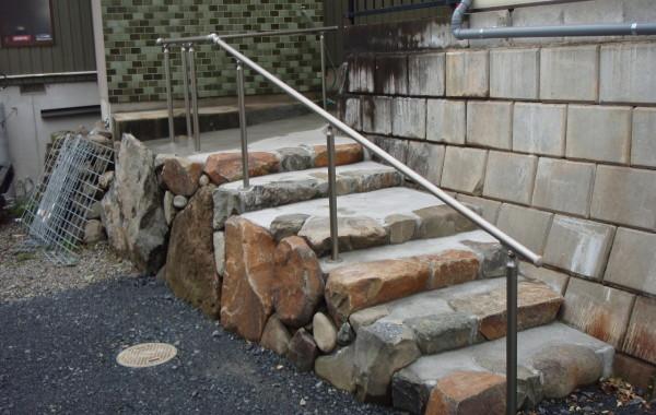 岐阜県海津市M様邸 外構階段手摺り取付工事